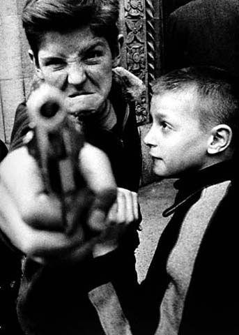 thumb-William-Klein--kill--2-.jpg